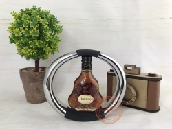 Hennessy X.O with square inox cradle