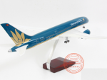 MO-HINH-MAY-BAY-BOEING-787-VIETNAM-AIRLINES-1-160-LED_4s