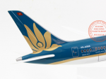 MO-HINH-MAY-BAY-BOEING-787-VIETNAM-AIRLINES-1-160-LED_9s